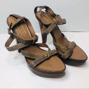 UGG Collection Stingray Gemma Leather Strap Heels